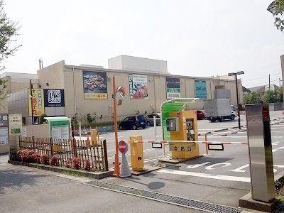 食品館・富士ガーデン 駐車場(あざみ野三規庭・内)