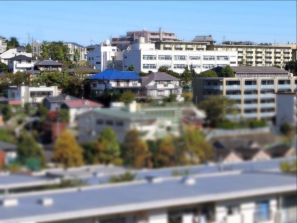 たまプラーザ団地から見た【美しが丘小学校】