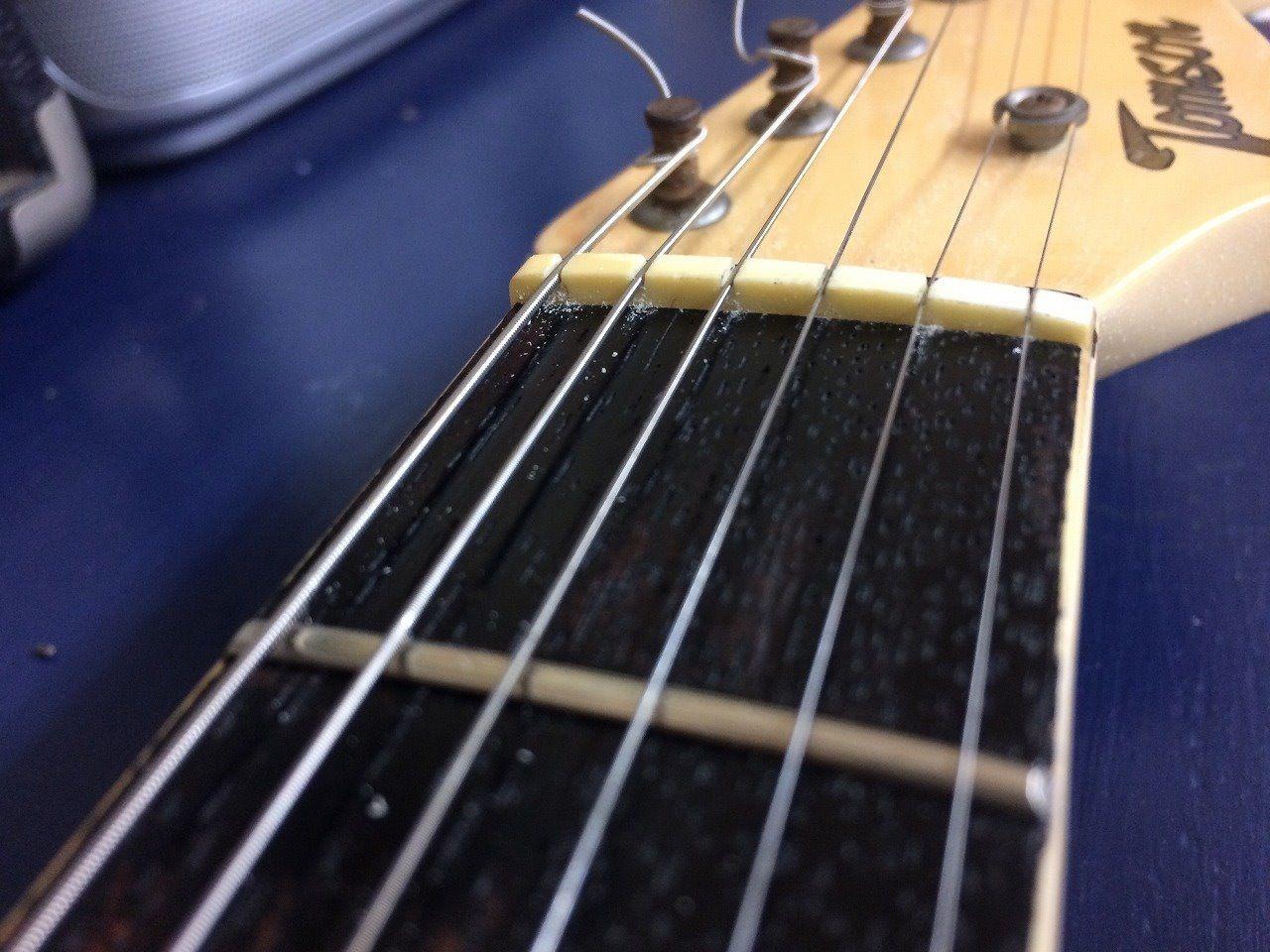 弦の上面が現れてきた。