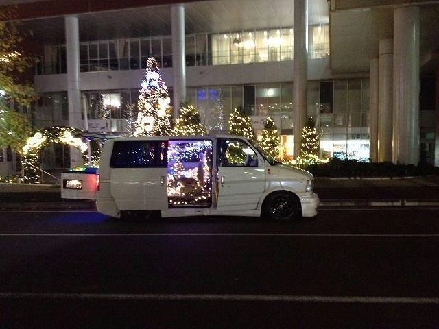たまプラーザ駅南口の様子です。 2013年 たまプラーザ クリスマス