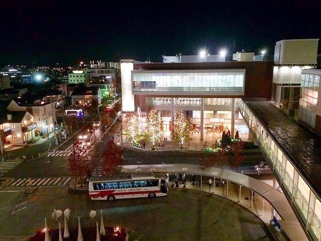 たまプラーザ駅南口の様子です。2014年 クリスマスのたまプラーザ